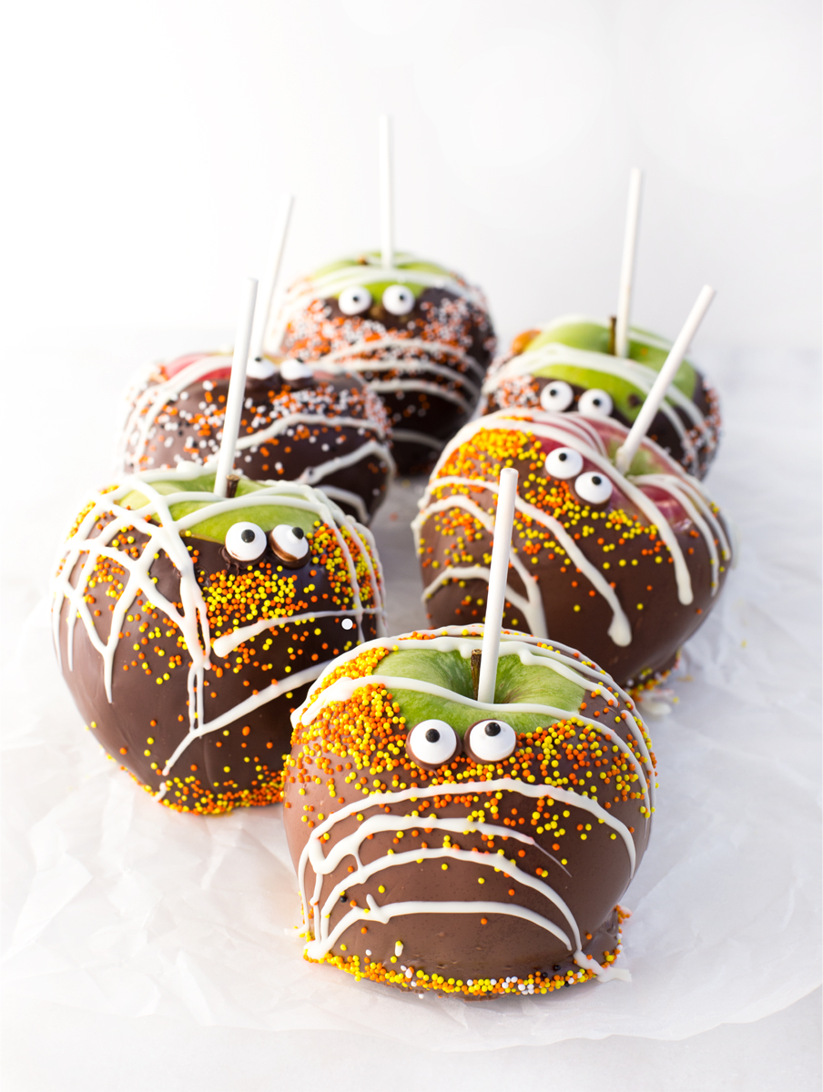 chocolate-caramel-candy-apples